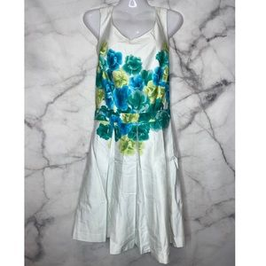 GORGEOUS FLORAL BCBC MAX AND CLEO DRESS LIKE NEW